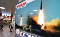 Bất chấp LHQ,Triều Tiên lại bắn 2 tên lửa đạn đạo
