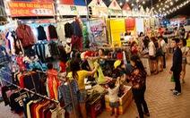 """Đi chợ """"công ten nơ"""" cuối tuần ở Sài Gòn"""