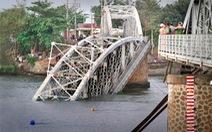 Dân khẳng định từng có khung sắt bảo vệ chân cầu Ghềnh