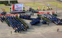 2.000 đoàn viên chào cờ và xếp hình bản đồ Tổ quốc