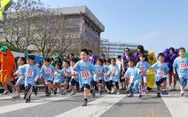 Xem clip tình đoàn kết xúc động của trẻ em Nhật Bản