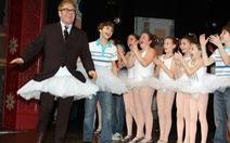 Từ M.Jackson đến Elton John: các sao từng bị cáo buộc ấu dâm