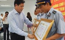 Chuyển tàu bằng đường bộ ra Biên Hòa phục vụ hành khách