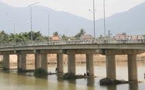 Sông Cái Nha Trang cạn nước, ngừng trôi