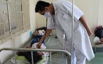 Trao đổi qua lại trên Facebook, nữ sinh bị đánh nhập viện