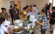 Giúp bệnh nhân nghèo có suất cơm ngon