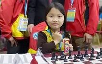 Nhà vô địch cờ vua U-8 thế giới Cẩm Hiền có tài trợ