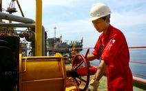 Giá dầu thế giới giảm sau khi lên cao nhất 4 tháng