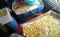 Quảng Nam tiêu hủy 400kg măng chua chứa chất cấm vàng ô