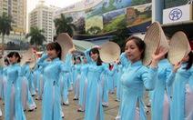 """Hơn 2.000 sinh viên tham gia """"Nâng cao hình ảnh du khách Việt"""""""