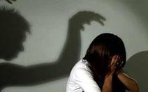 Quen qua Facebook, bé gái 12 tuổi bị dụ chuyện người lớn