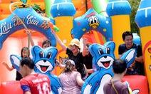 Lễ hội té nước giải tỏa cơn nắngnóng Sài Gòn