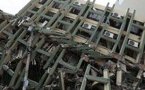 """Nhân chứng động đất ở Ecuador: """"Cả thành phố đã đổ sập"""""""