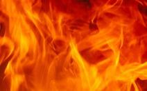 Cháy nhà nghi do tự thiêu, chồng chết, vợ nguy kịch