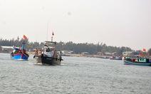 Sóng to, hơn 1.000 khách mắc kẹt ở Cù Lao Chàm
