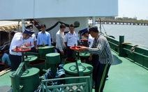 Bắt tàu Thái Lan bán dầu cho tàu Việt Nam