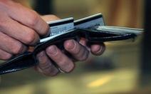 Chủ thẻ Vietcombank bỗng dưng mất 500 triệu đồng do đâu?