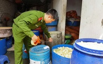 """Măng ở Nghệ An """"ngậm"""" chất cấm vàng ô"""