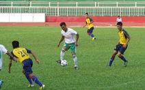 Phan Thanh Bình chơi bóng phong trào
