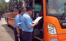 Ra quân kiểm tra xe chở khách trong dịp lễ 30-4 và 1-5