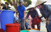 Huy động sà lan chở nước ngọt cho TP Rạch Giá