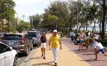 Khoảng 100.000 du khách đổ về Bình Thuận nghỉ lễ