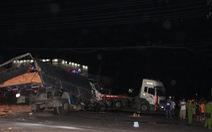 Tai nạn giữa đêm, tài xế tử vong trong cabin