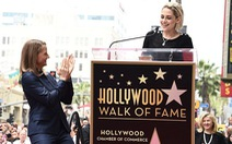 """Kristen Stewart: """"Jodie Foster là người phụ nữ không tuổi"""""""