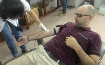 Qua Facebook, một người Anh có nhóm máu hiếm hiến máu cứu người