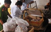 Hủy 700kg thịt cóổ dòi bọ cùng xương heo, nội tạng