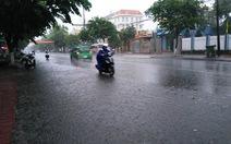 """Quảng Nam, Quảng Ngãi có """"mưa vàng"""" giải nhiệt"""