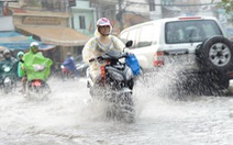 TP.HCM mừng vì mưa và lo ngập
