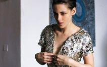 Kristen Stewart khoe ngực trần trong phim rùng rợn tranh giải Cannes