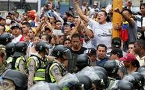 Venezuela: người biểu tình đụng độ cảnh sát
