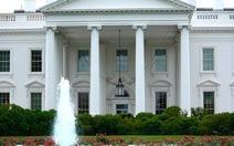 Mật vụ Mỹ bắn kẻ mang súng có ý đồ xâm phạm Nhà Trắng