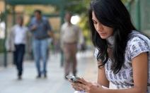 """Điện thoại di động ở Ấn Độ có """"nút hoảng loạn"""""""
