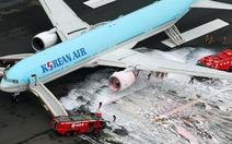 Clip máy bay chở 319 người bốc cháy tại sân bay Tokyo