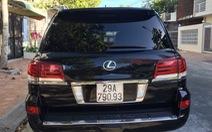 Gắn biển xanh cho Lexus cá nhân để... tiện công tác?