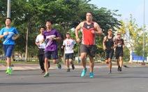 Marathon ngày càng thu hút bạn trẻ