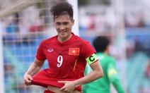 Hạ Hong Kong trên chấm luân lưu, tuyển VN vào CKAYA Bank Cup