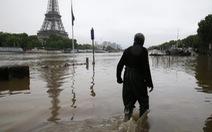 Nước sông Seine dâng cao, bảo tàng Louvre đóng cửa
