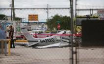 Máy bay Mỹrơi trúng ôtô, 3 người chết