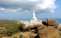 Ngoạn cảnh chùa Linh Sơn nơi đảo xa