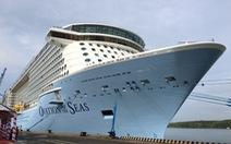 Siêu tàu lớn nhất châu Á chở 4.300 khách cập cảng Phú Mỹ