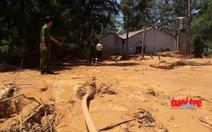 Vỡ hồ chứa nước khai thác titan, bùn đỏ tràn ra ngoài như lũ