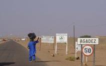 Bị bọn buôn người bỏ lại, 20 trẻ em chết giữa sa mạc