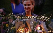 Nữ nghị sĩ bị sát hạigiữa ban ngày: Nước Anh bàng hoàng