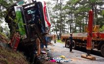 Clip xe khách tông nhau 7 người chết trên đèo Prenn