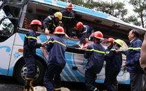 Hai xe khách tông nhau trên đèo Prenn, 7 người chết