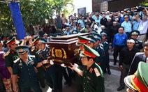 Hàng ngàn quân nhân, đồng bào dự lễ tang phi công Trần Quang Khải